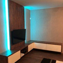 Obývací pokoj a vestavné skříně